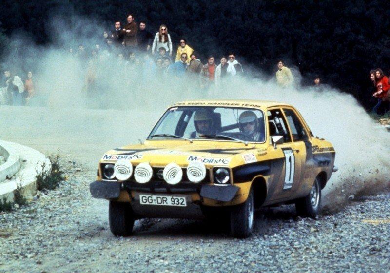 Walter Rohrl nel 1974 con l'Ascona 400