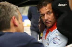 Sebastien Loeb prova il sedile della i20 WRC