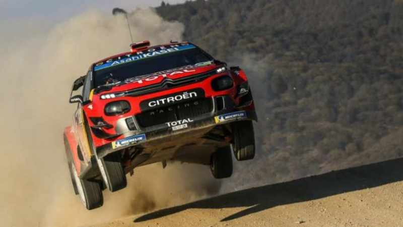 Sebastien Ogier con la Citroen C3 WRC guida la classifica del Rally Mexico