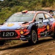 Thierry Neuville con la Hyundai i20 WRC al Rally Argrentina 2019
