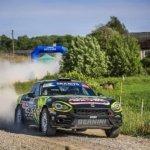 Andrea Nucita corre verso il successo al Rally Liepaja