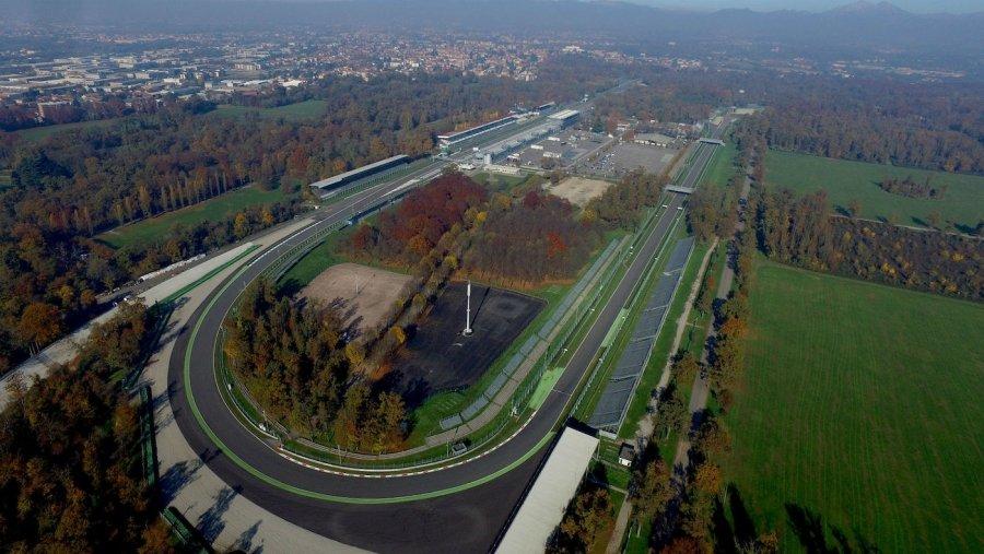 Una panoramica del circuito ovale di Monza