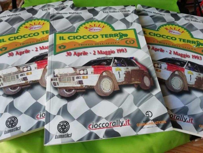 La copertina del libro dedicato al Rally Il Ciocco Terra