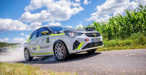 La Opel testa la Corsa e-Rally per il monomarca