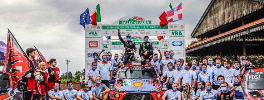 Rubato un gradino del podio del Rally di Alba, dov'è salito Neuville